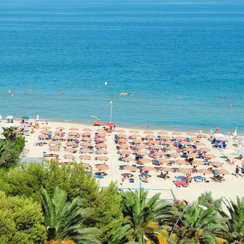 spiaggia alba adriatica